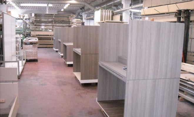 Arredamenti laner progettazione e produzione arredamenti for Produzione mobili veneto